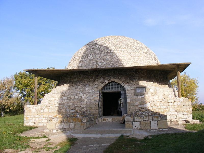 800px-northern_mausoleum_bolgar